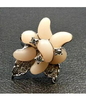Кольцо цветок со стразами розовое