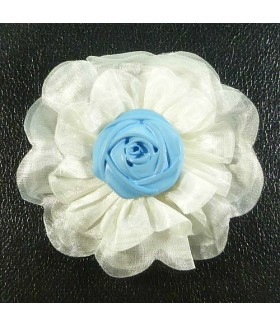 Брошка цветок бело-голубого цвета