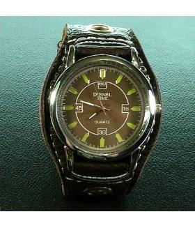 Часы унисекс с широким черным кожаным ремешком