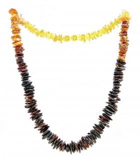 Бусы короткие из натурального янтаря трехцветные