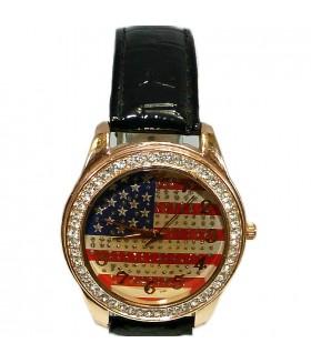 Часы с черным лакированным ремешком
