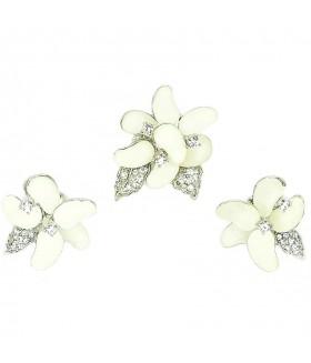 Серьги и кольцо бело-серебристого цвета комплект