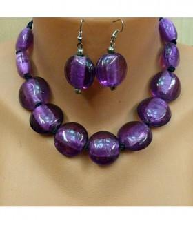 Бусы и серьги фиолетового цвета