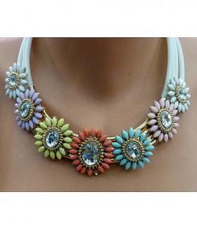 Ожерелье крупное цветное